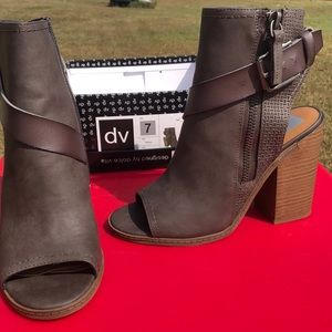 Designed by Dolce Vita Wedge
